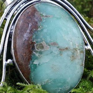 Chrysoprase boulder en pendentif, pierre naturelle utilisée en lithothérapie, bijou pour femme