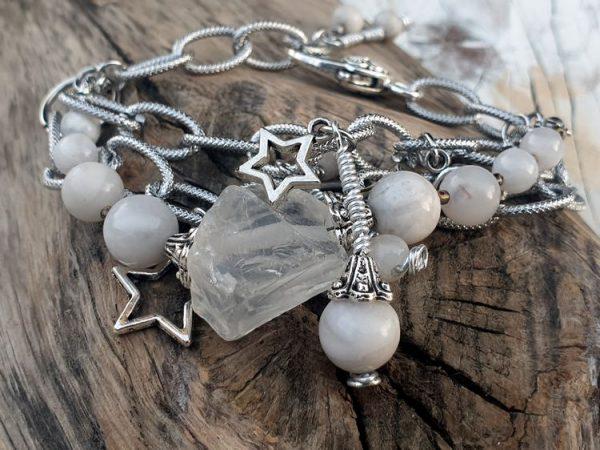 Bracelet en agate blanche et en cristal de roche, breloques étoiles, large maillon