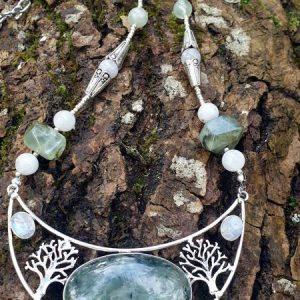 Collier arbre de vie prehnite et pierre de lune ou péristérite
