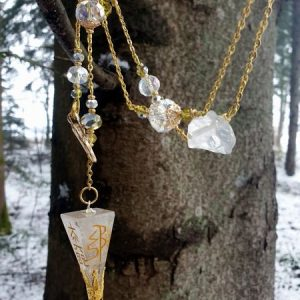 Collier pendule en cristal de roche véritable, gravé aux 4 symboles reiki usui sur finition dorée