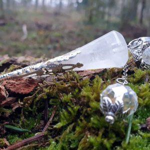 Pendule elfique cristal de roche avec perles en verre autrichien