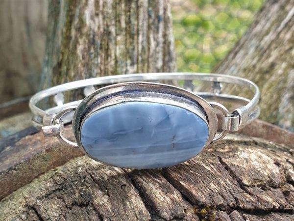 Opale owyhee montée sur bracelet fin