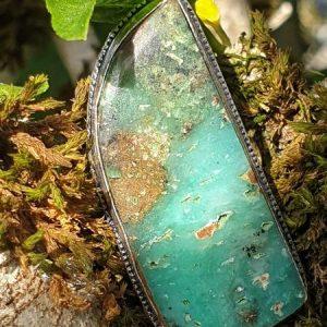 chrysoprase boulder montée en bague, plaqué argent